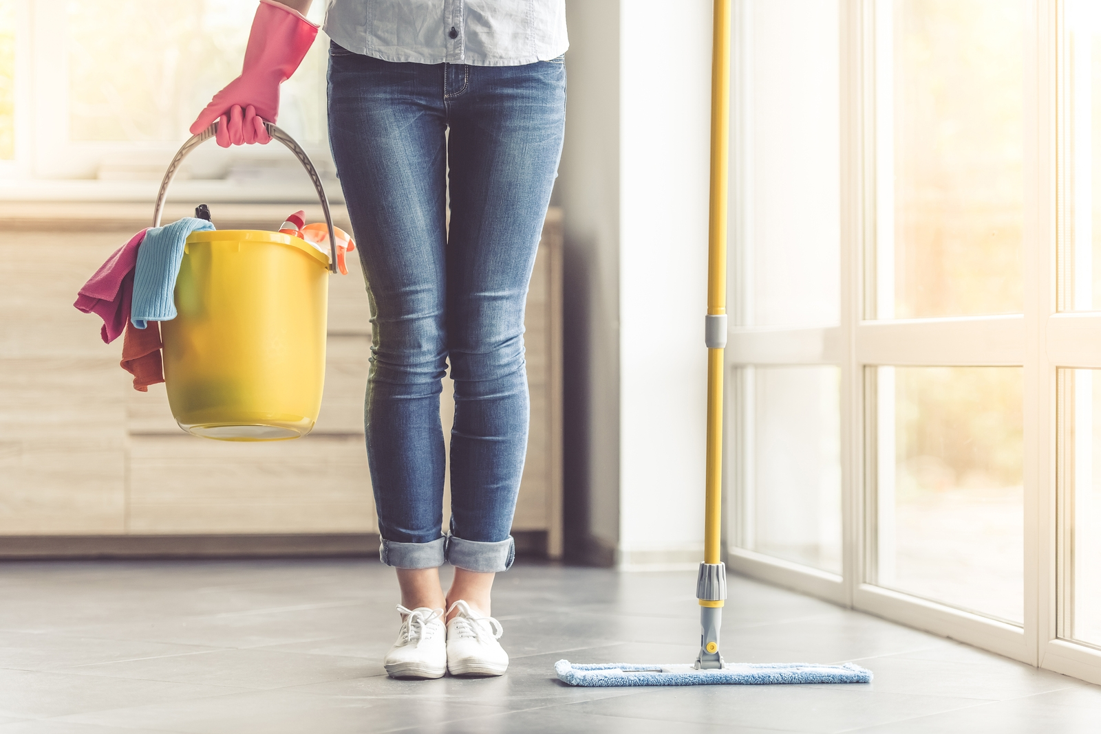 Residential House Cleaning: Tips for Transitioning to Winter