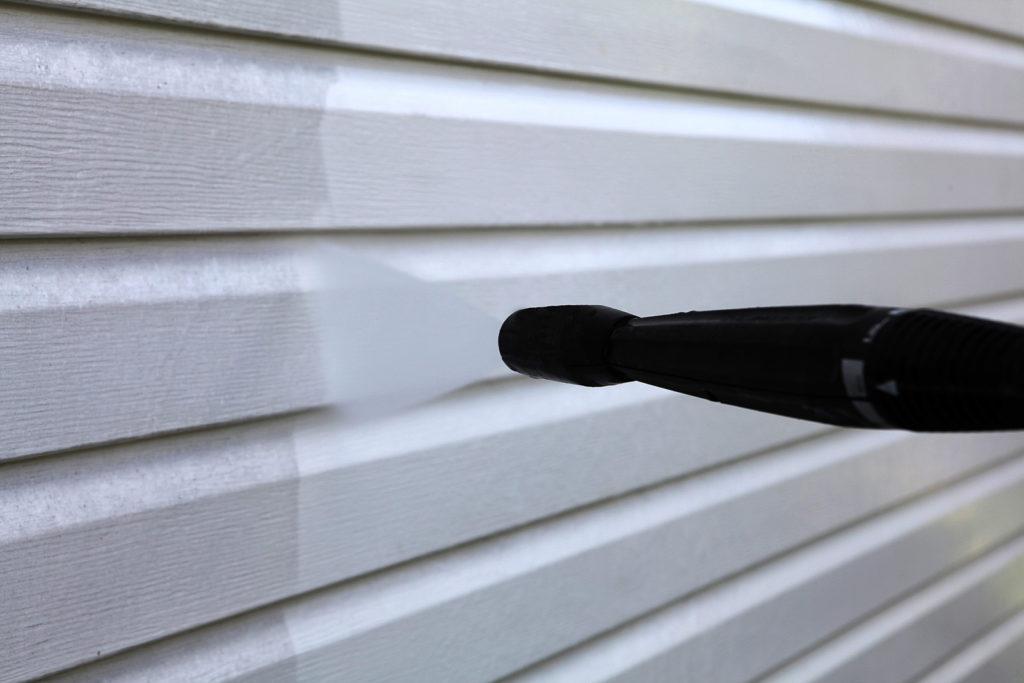 bigstock-Washing-the-vinyl-siding-174228382-1024x683