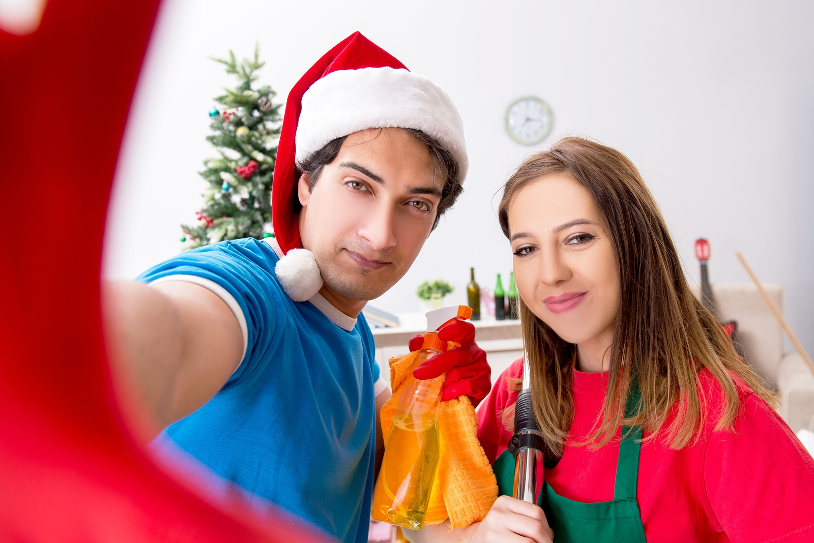 Hiring a Professional Cleaning Service for Post-holiday Cleanup